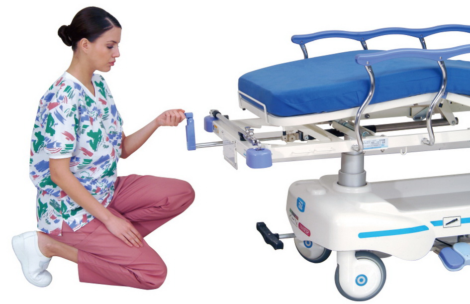 <h1>Knee Position Crank</h1><p>Manual crank is located at the foot-end and enables the knee section shifting from 0° to 40°.</p>