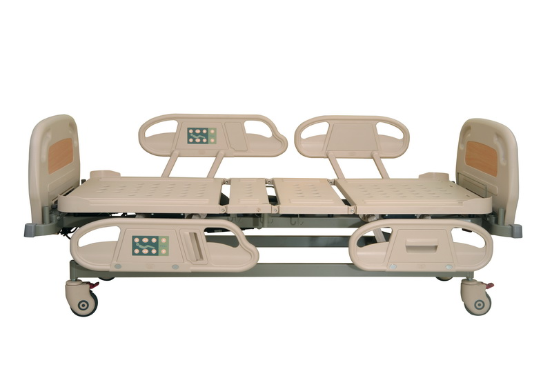 <h1>Safe Siderails</h1><p>Gap between Back and Knee siderail is within 6 cm to avoid patients falling off from the bed. (Conform to international standard:EN 60601-2-38)</p>